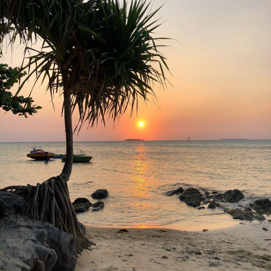 9c735f10d2b73a6c134c370f76c5b6bc-1024x1024 Le isole Karimunjawa - Indonesia | Guida fai da te