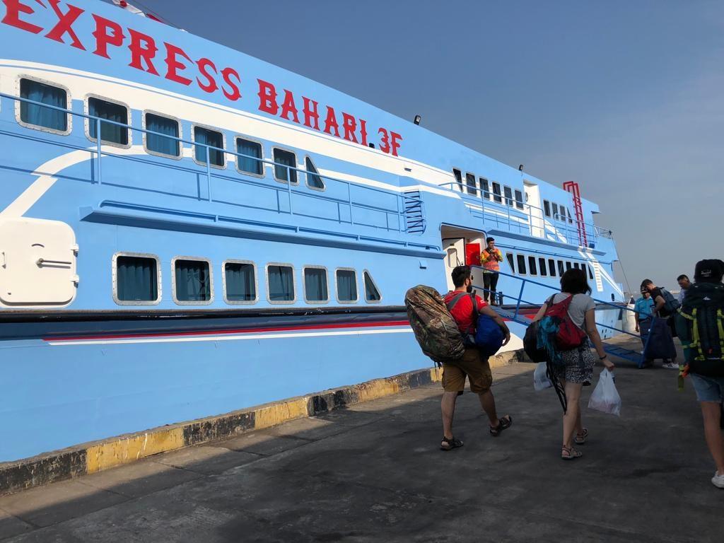 traghetto-1024x768 Le isole Karimunjawa - Indonesia | Guida fai da te