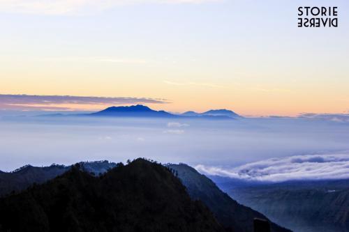 Bromo-11 Indonesia: lo straordinario spettacolo dell'alba sul Vulcano di Bromo